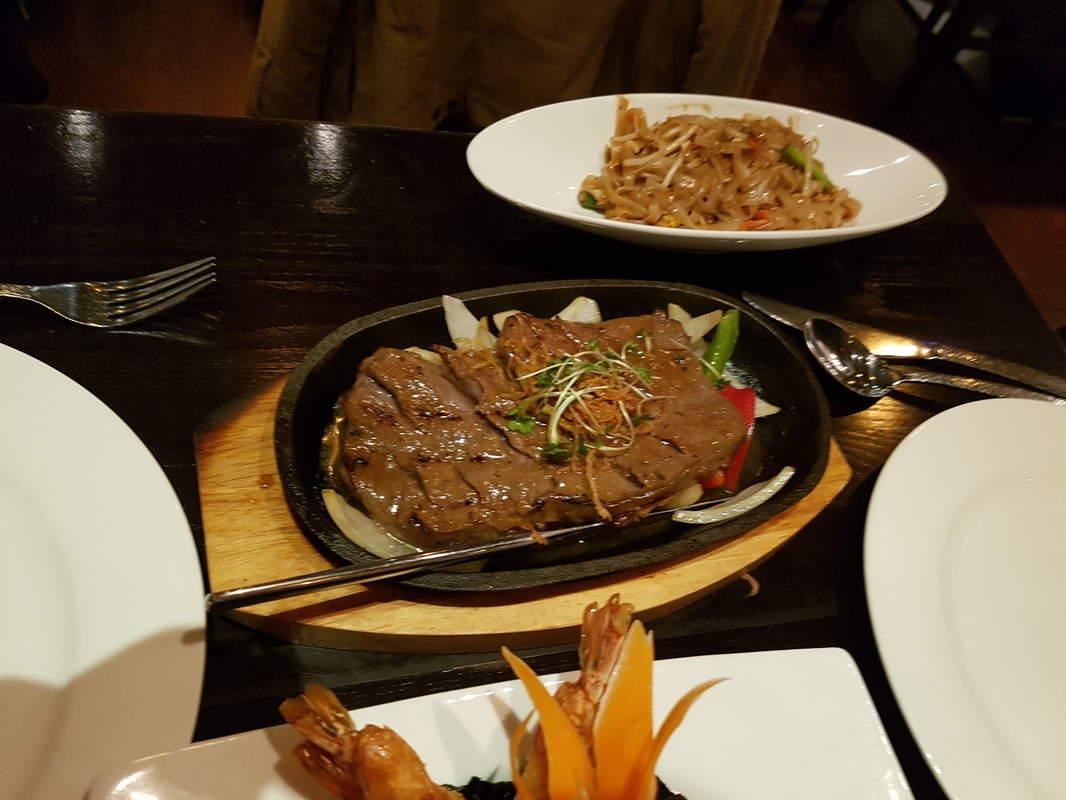 A very Thai Valentine's Day: Eating at Sukhothai - Lost in the North